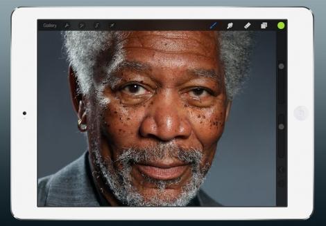 285 Bin Parmak İzinden Oluşan Morgan Freeman Portresi