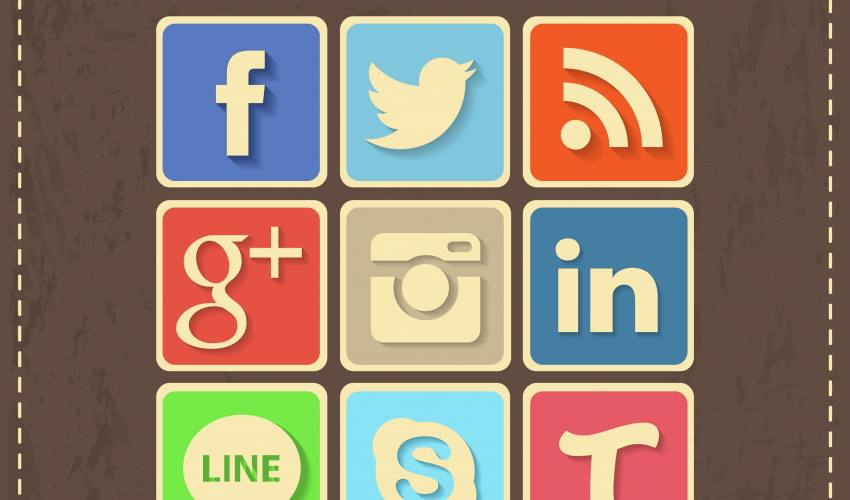 Flat Sosyal Medya İkonları ( Vektörel )